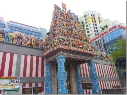 シンガポールのスリヴィラマカルアマン寺院